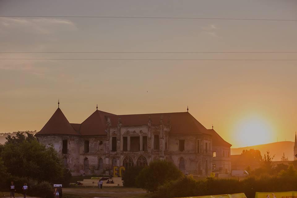 electric castle festival dimineata rasarit top festivaluri romania by blog calator