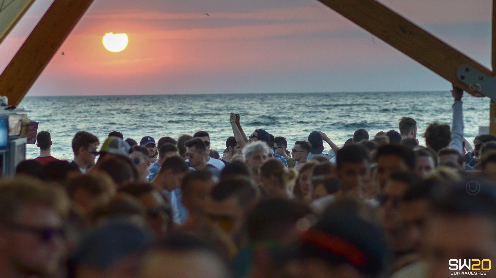 festival sunwaves top 5 festivaluri romania by blog calator